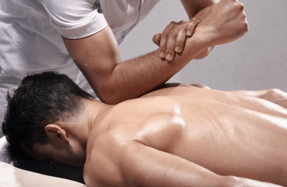 a full body sport massage for men