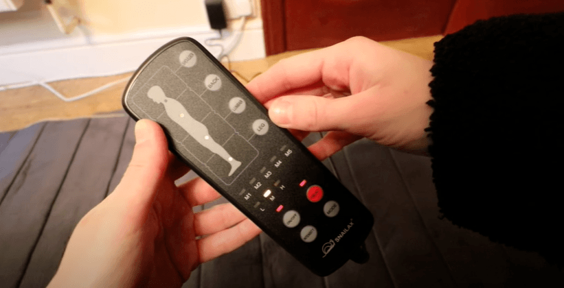 a massage mat come with a remote